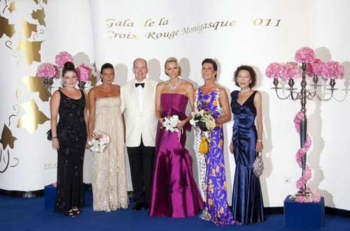 princess caroline and stephanie_Red cruzar, cruz Ball in Monaco