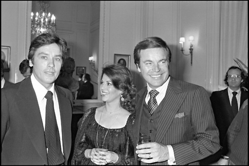 Natalie Wood wallpaper containing a business suit, a suit, and a three piece suit called Alain Delon, Nat and RJ in 1978