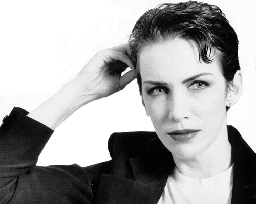 Annie Lennox wallpaper possibly containing a business suit titled Annie Lennox