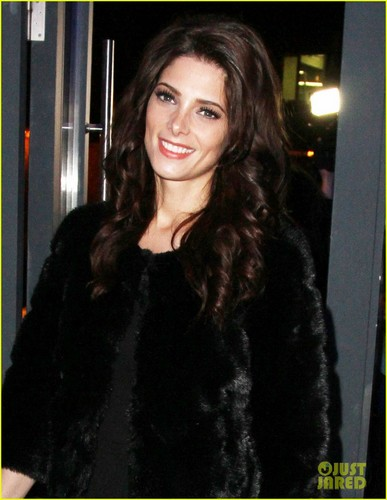 Ashley Greene: DKNY Show in Russia - twilight-guys Photo