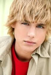 CODY LINELY!!:)