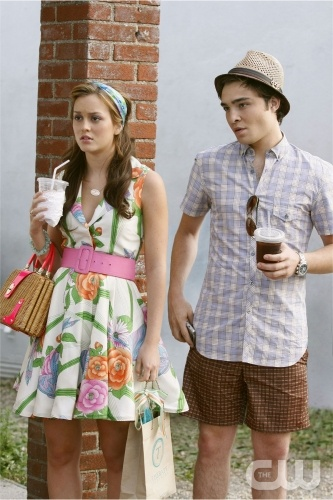 Blair & Chuck hình nền probably with a đường phố, street and a sundress called Chuck & Blair <3
