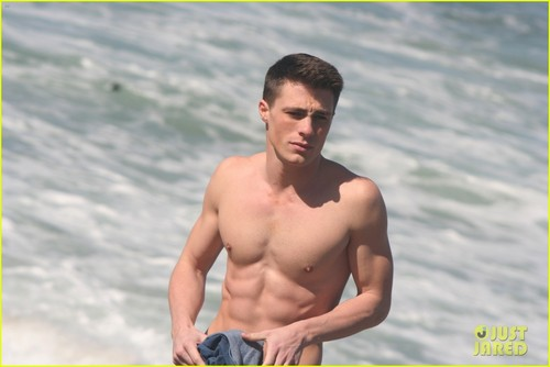Colton Haynes: Shirtless at the Beach! - colton-haynes Photo