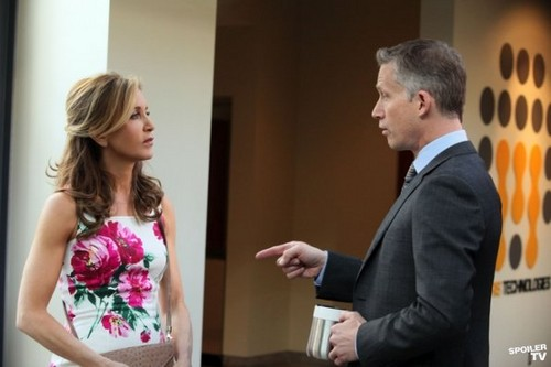 Desperate Housewives - Episode 8.20 - Lost My Power - Promotional Photos  - desperate-housewives Photo