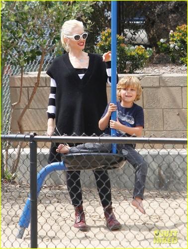 Gwen Stefani: Picnic at the Park with Kingston & Zuma