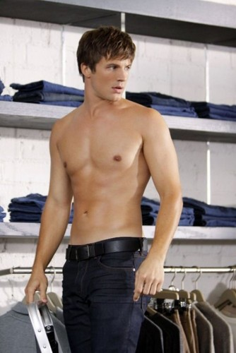 HOT!(the person u don´t know is MATT LANTER!♥)