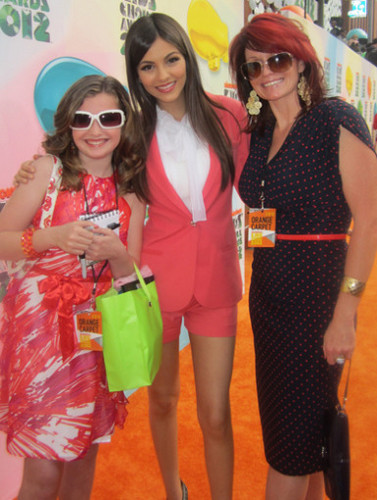Kids Choice Awards 2012 wallpaper with sunglasses entitled KCA 2012 Sweeps Winner Pics