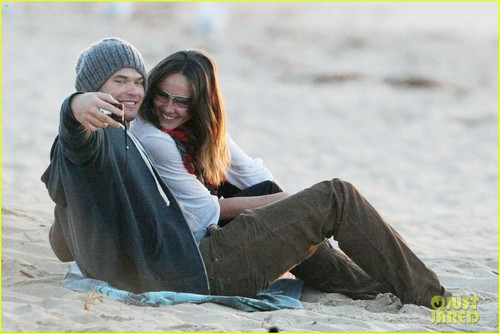 Kellan Lutz wallpaper containing a well dressed person called Kellan Lutz & Sharni Vinson: Cronulla Couple
