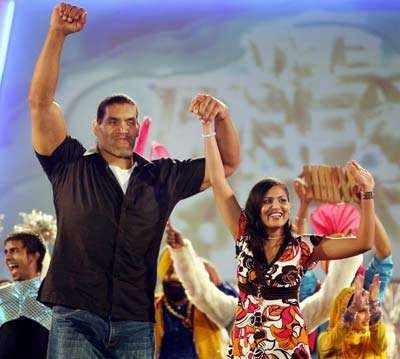 The Great Khali Images Khali With Wife Wallpaper And Background