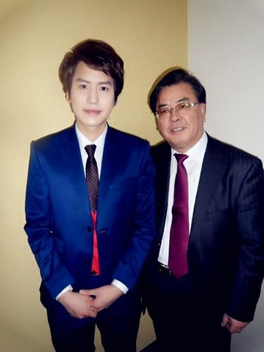 Kyuhyun and his dad !