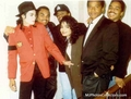 MICHAEL & FAMILY - michael-jackson photo