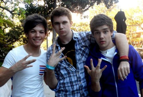 Male shabiki with Liam and Louis....