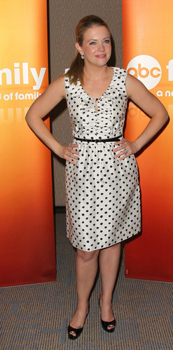 Melissa Joan Hart wallpaper probably containing a playsuit called Melissa Joan Hart