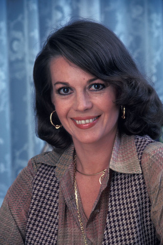 Natalie Wood wallpaper with a headshot in The Natalie Wood Club