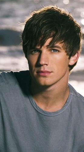 O.M.G.!!!!! HOT MATT LANTER!! HOT!!! MATT LANTER!
