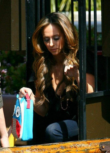 On The Set Of The Client liste in Los Angeles [3 April 2012]