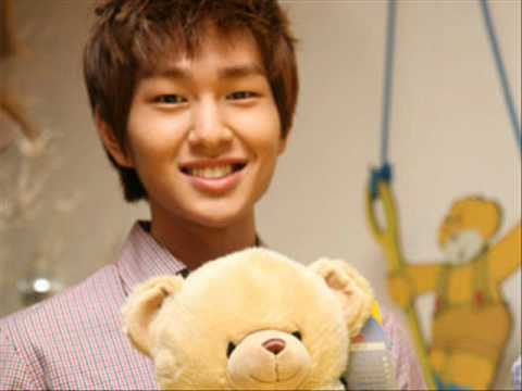 Lee Jinki / Onew Обои titled Onew Teddy