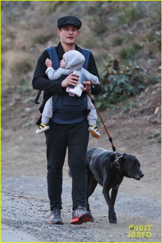 Orlando Bloom: Runyon with Flynn & Sidi! - orlando-bloom Photo
