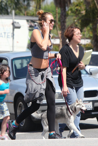Out and about on Ventura Blvd in Los Angeles [4th April]