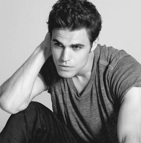 Paul Wesley wallpaper probably containing a portrait titled Paul Wesley <3