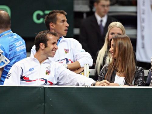 Radek Stepanek and Ester Satorova holding hands !