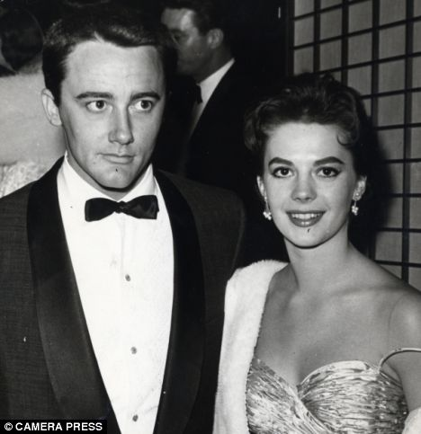 Robert Vaughn and Natalie Wood
