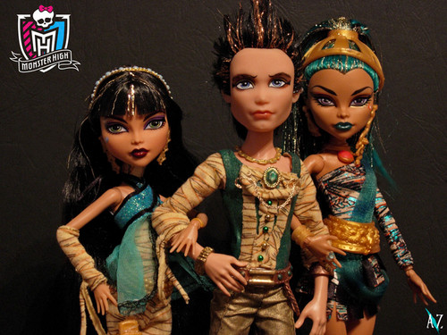 Monster High fond d'écran called Seth and sisters