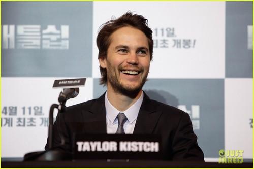 Taylor Kitsch: 'Battleship' in Seoul!