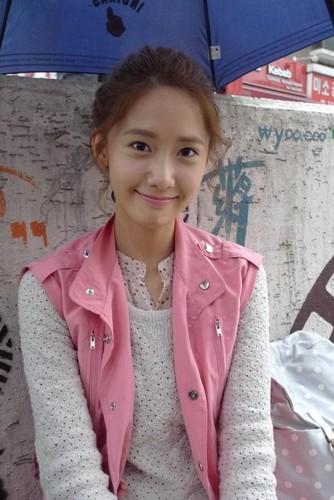 Yoona 'Love Rain' Behind The Scene ছবি