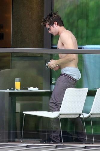 Zac Efron - Sidney Hotel Australia