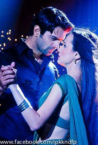 Arnav and khushi hot kiss