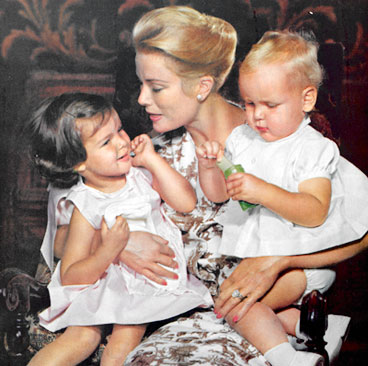 grace kelly ,princess caroline and stephanie
