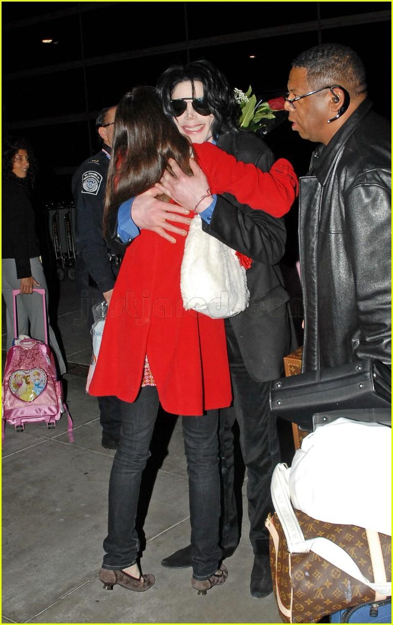 michael with female fan
