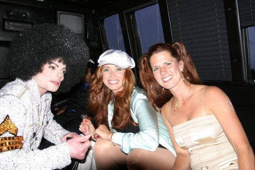 michael with female Friends