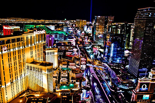 picture of Las Vegas at night