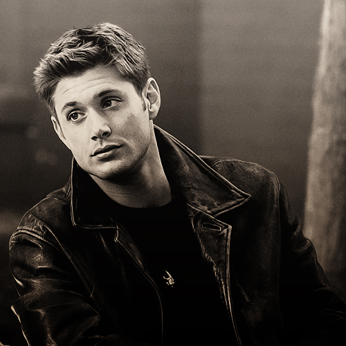 Dean Winchester kertas dinding probably containing a konsert entitled ♥Dean!♥