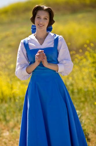 Belle cosplay