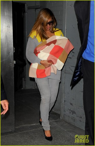 Beyonce 'Looks Unbelievable', Says Fellow Party-Goer!