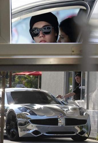 Bieber & selena Fisker Karma Car