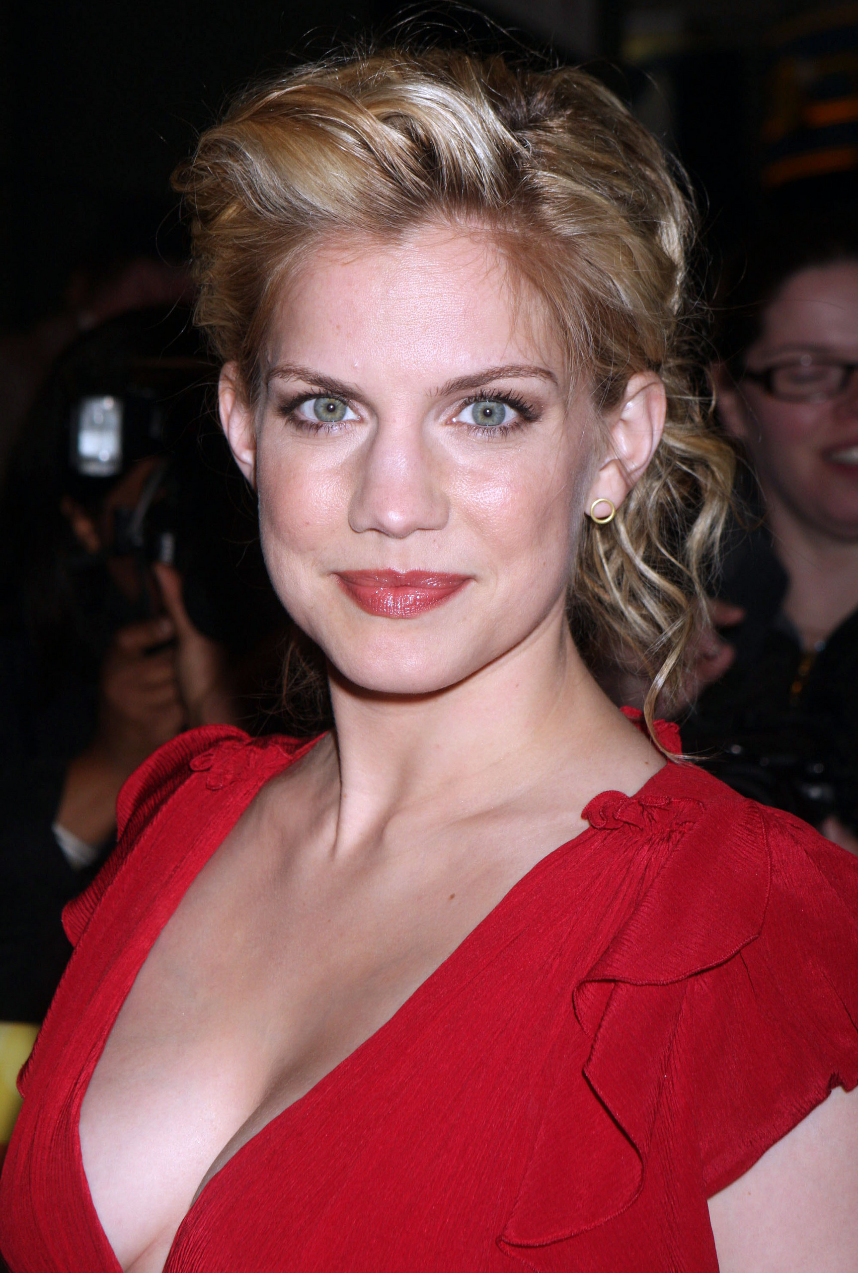 The 36-year old daughter of father Frank Chlumsky and mother Nancy L. Chlumsky, 166 cm tall Anna Chlumsky in 2017 photo