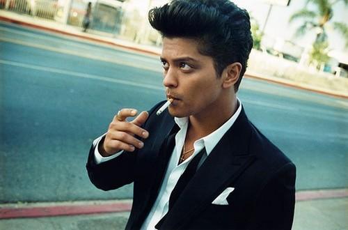 Bruno Mars fond d'écran with a business suit and a suit titled Bru