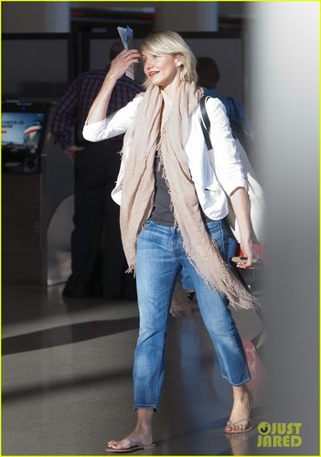 Cameron Diaz: Early Morning Flight