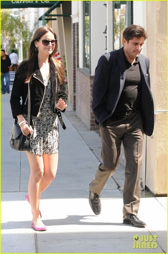 Camilla Belle: Il Pastaio with Mystery Male!