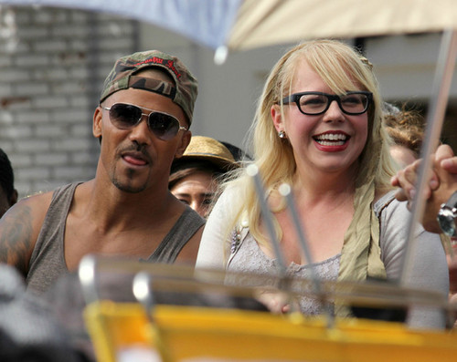 """Cast Of """"Criminal Minds"""" Gives An """"Extra"""" Interview"""