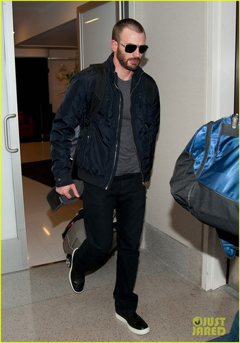 Chris Evans: 'Captain America' Sequel Set for 2014!