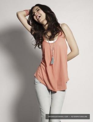 Cute Like Anna ;)