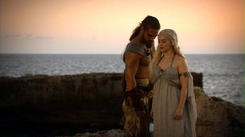 Daenerys Targaryen wallpaper probably containing a sunset titled Daenerys and Drogo