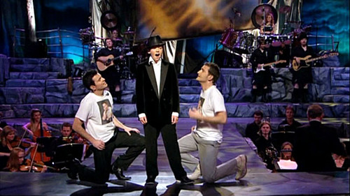 Damian Mcginty & Paul Byrom & Ryan Kelly