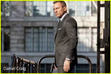 Daniel Craig Hintergrund containing a business suit, a suit, and a well dressed person titled Daniel Craig: New 'Skyfall' Pics!