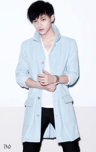 """EXO-M """"MAMA"""" individual pics"""